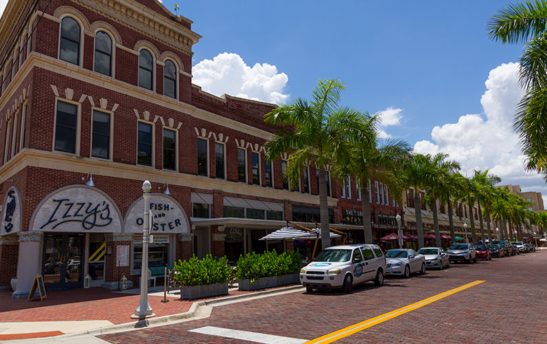 Whether You Re Looking For Italian Sushi Casual Or Fine Dining Ll Find It Right Nearby A List Of Restaurants In The Downtown Fort Myers Area