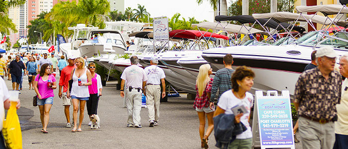 'Tis the Season… To Buy a Boat