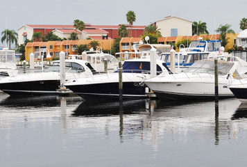 12 Member Boats Cruise to the Naples Boat Club