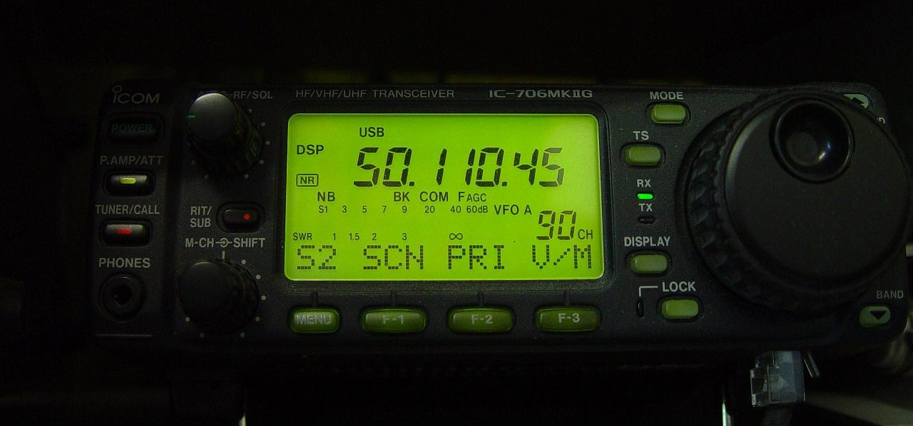 radio-387025_1280